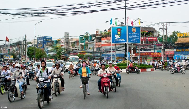 Вьетнам, Сайгон, не самая бойкая улица.