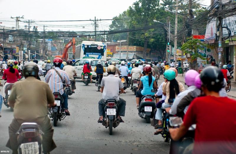 Вьетнамские мотоциклисты