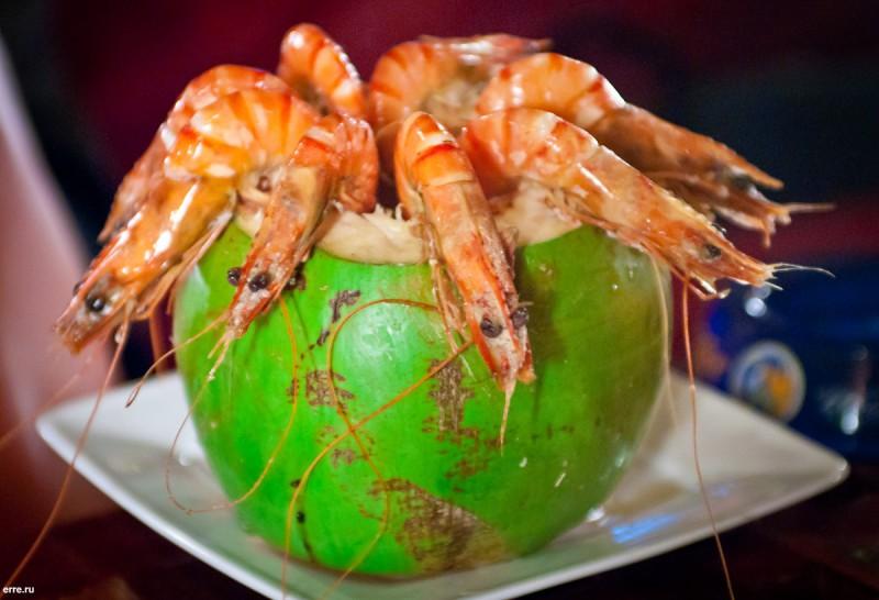 Креветки, вареные в кокосе